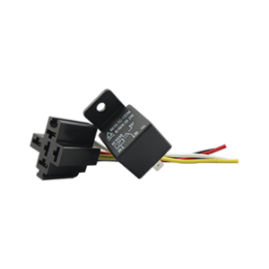 Queclink relay and socket